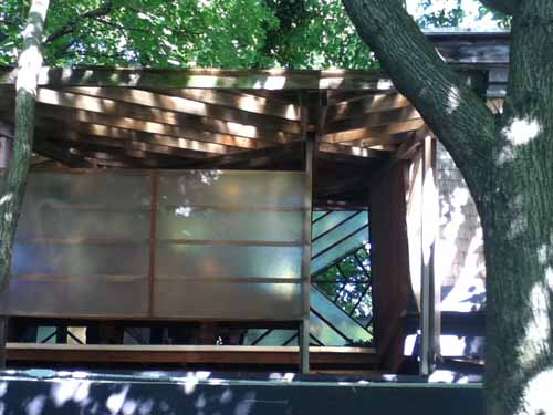 Tree house living {a sanctuary in the New Jersey suburbs!}