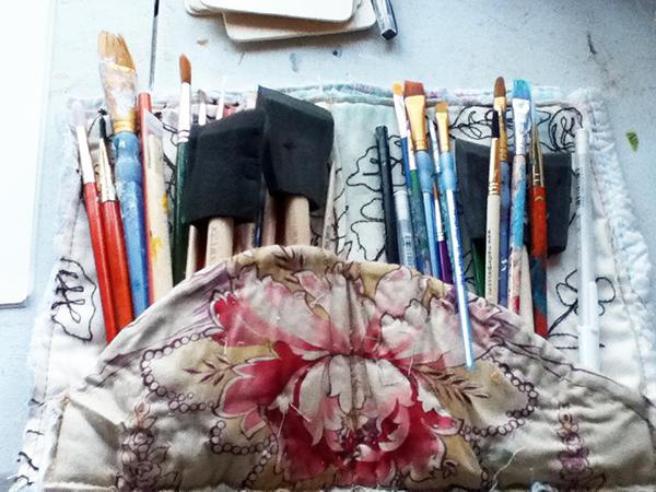 paintbrushesinbag_600pxls