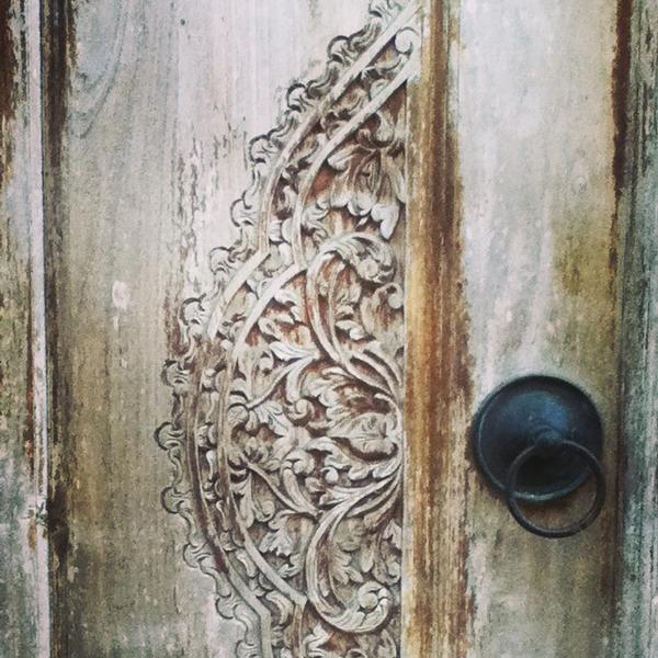 textured door Bali ©Louise Gale